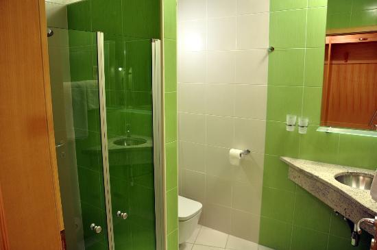 Natura Amon: Green PremiumBathroom