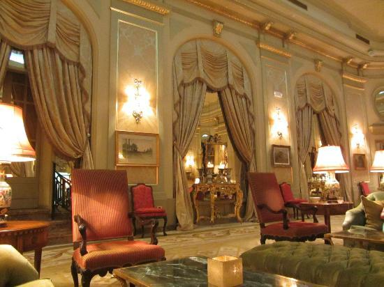 El Palace Hotel: Lovely hall