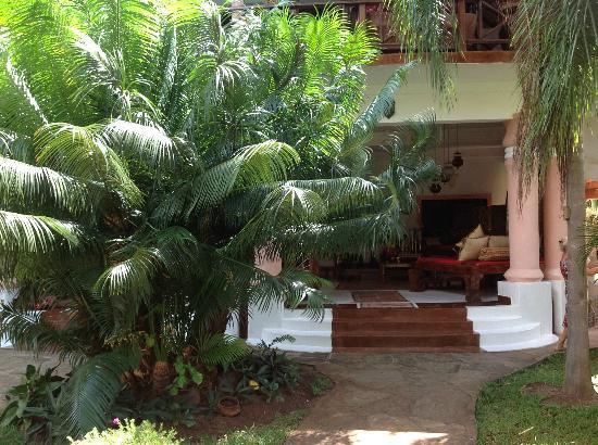 African House Resort: zweiter Aufgang in den Empfangsbereich