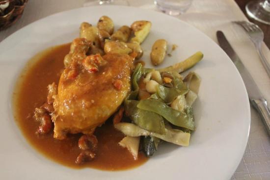 Le Relais : Pièce de volaille sauce aux langoustines