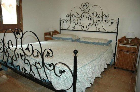 Residence La Pineta : Camera Matrimoniale