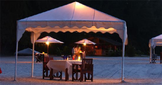 Tanjung Rhu Resort: Special Arrangement - BBQ Dinner