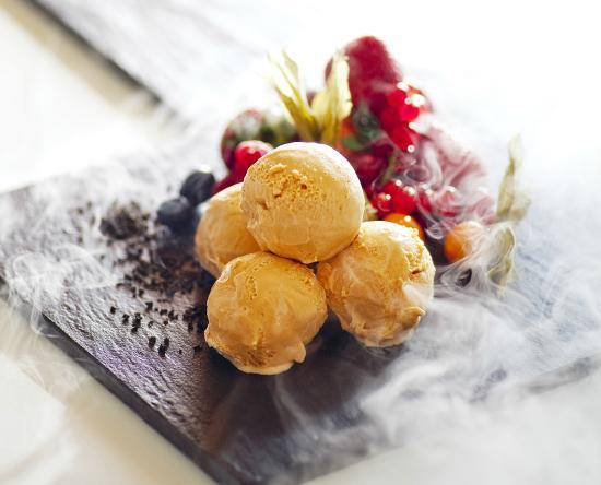 Tiffin Lounge (Grand Hyatt Hong Kong): Ice Cream