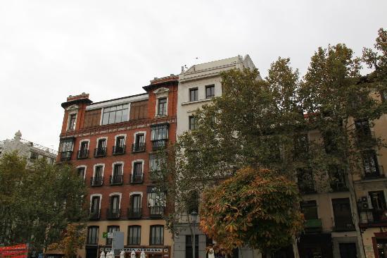 โรงแรมคาสตาโลเนียปูเอตาเดลโซล: Madrid