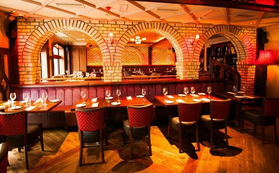 Brasserie On The Corner: Beautiful Arches
