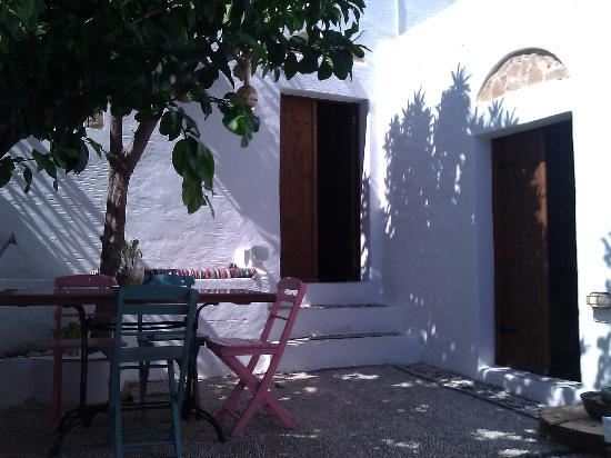 F Charm Hotel: G Cottage courtyard - a haven of peace and quiet