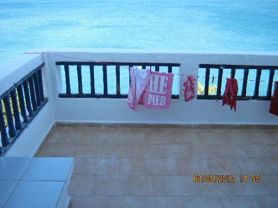 Kavos Bay Apartments: large balcony