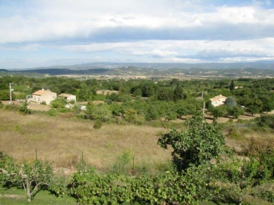 Les Terrasses du Luberon: View from balcony