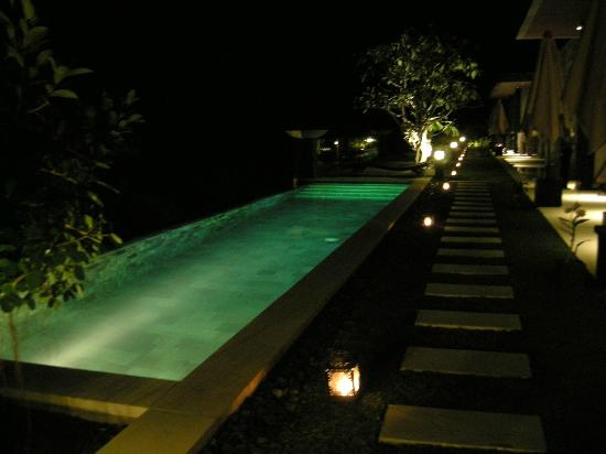 The Puncak : Infinity pool