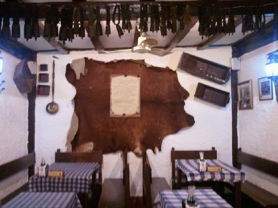 Restaurante las cuadras de rocinante en alcal de henares - Cocinas alcala de henares ...