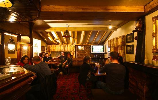 The Miners Arms: Warm, cosy and friendly; the perfect pub!