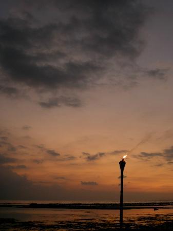 هوتل أومباك صن ست: Beautiful sunset