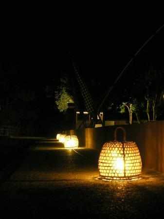 Hotel Ombak Sunset: Lanterns