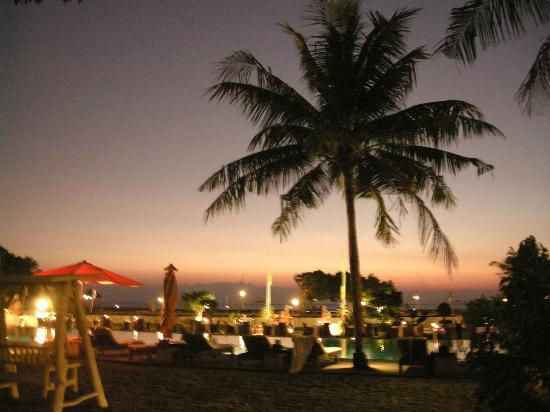 Hotel Ombak Sunset: sunset