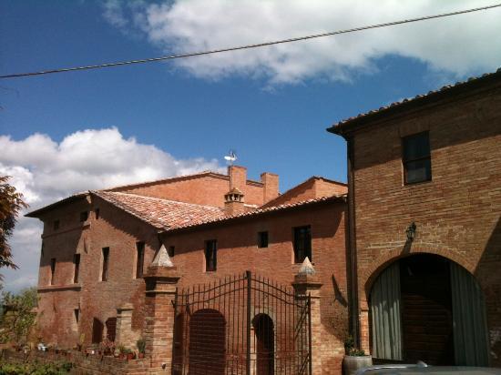Agriturismo Fattoria Armena: Inspiring architecture!