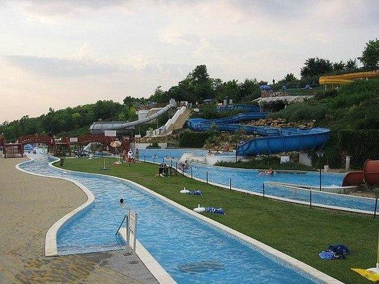 Mogyorod, ฮังการี: Aquarena