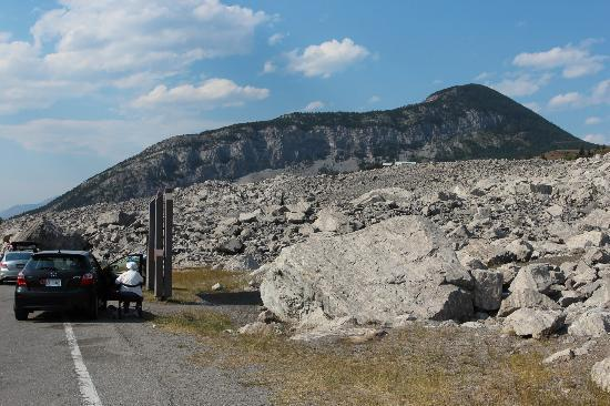 Frank Slide Interpretive Centre: My Car,,, Their Rock!!
