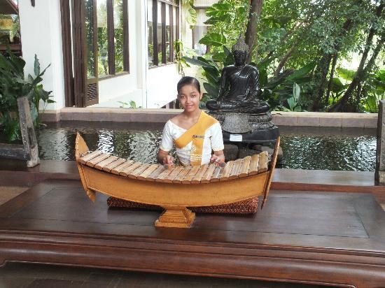 Angkor Palace Resort & Spa: The lobby