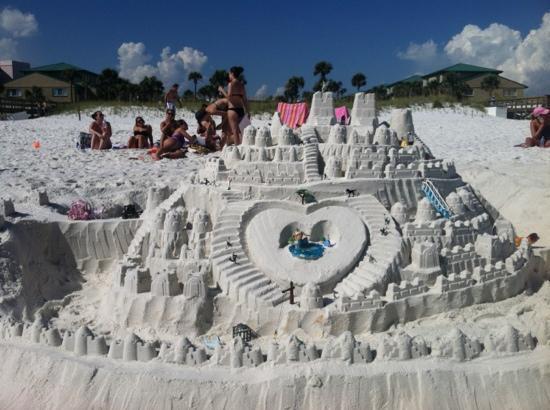 Seaspray Condominiums: beautiful white sand...