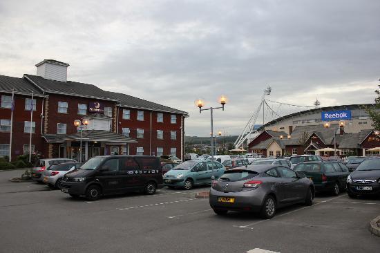 Premier Inn Bolton (Stadium/Arena) Hotel: Hotel with Reebok Stadium.