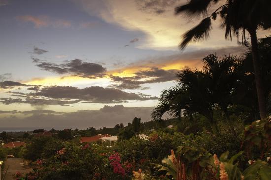 Villa les Bougainvilliers: Coucher de soleil depuis la piscine