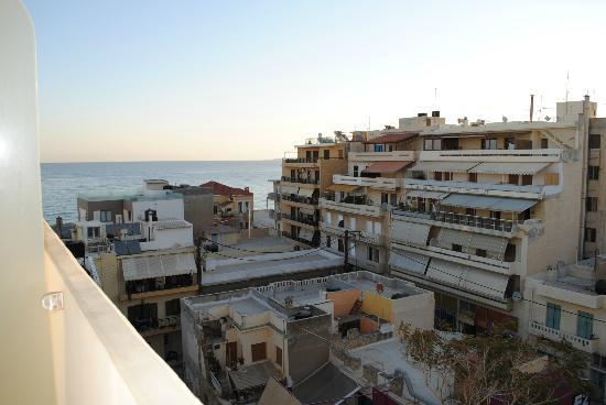 Atrion Hotel: Vista laterale