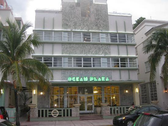 Hilton Grand Vacations at McAlpin-Ocean Plaza: Front of Hotel, looks old, but modern inside and all mod cons