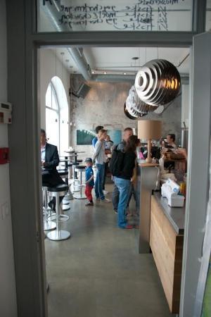 Invit Espresso Bar: Here's where you order