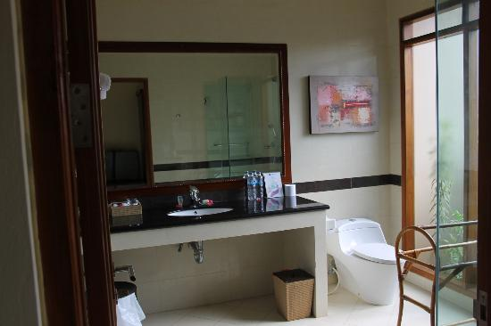 Villa Grasia Resort & Spa: bathroom