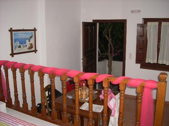 Anna Traditional Apartments: camera