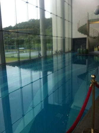 Nansha Grand Hotel: the indoor pool