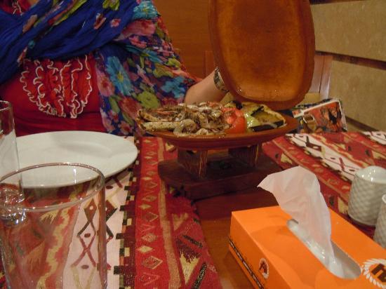 ottimi piatti di carne all'Ararat Hall Yerevan