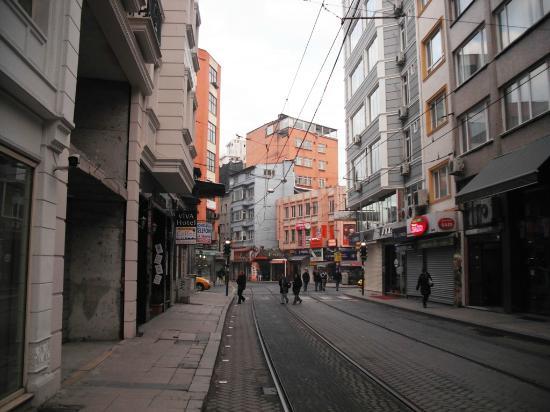 Seres Hotel: La strada su cui è ubicato
