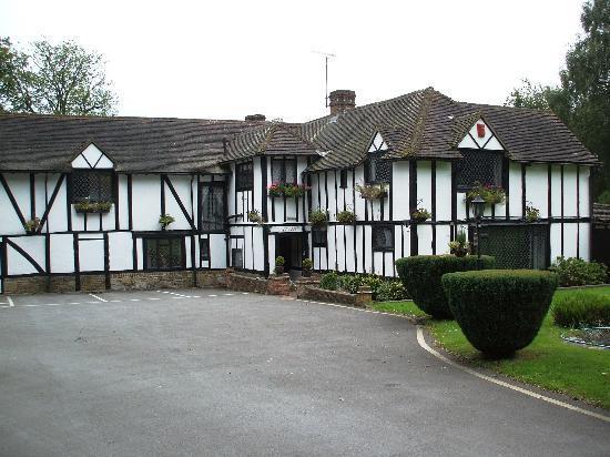 Regency Hotel Gatwick: Regency Hotel Entrance