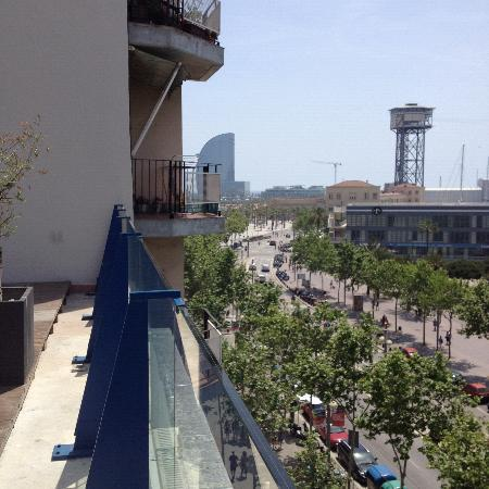 Hotel 54 Barceloneta : the view from the rooftop