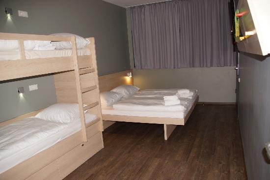 Etagenbett Reise : Junior familienzimmer mit etagenbett bild von club hotel felicia