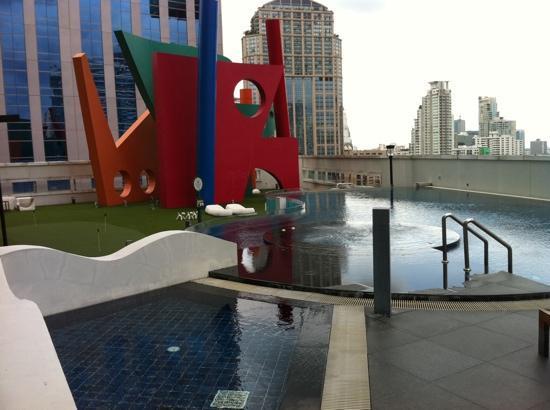 S31 Sukhumvit Hotel: حمام سباحة