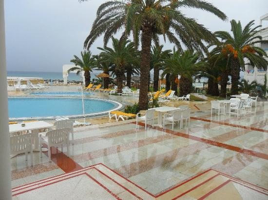 Hotel Club Les Colombes : piscine
