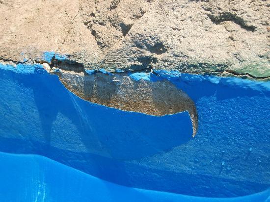 Coral Sea Aqua Club Resort: lazy river coating