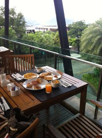 Wyndham Sea Pearl Resort Phuket: its raining