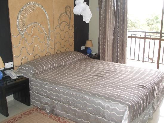 Dolphin Suites: BED ROOM