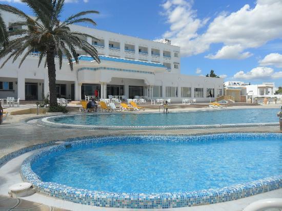 Hotel Les Colombes : piscine