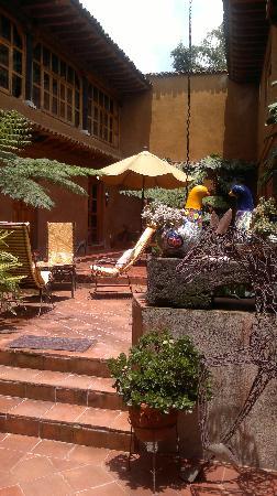 Hotel Casa Encantada: afuera de la habitacion