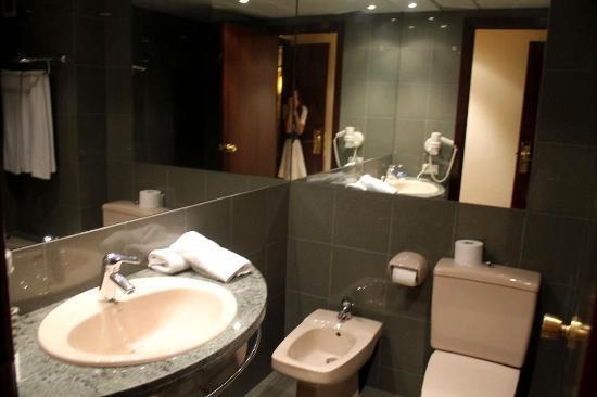 Hotel Sansi Park: foto baño