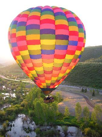 Above It All Balloon Company : Highly experienced pilots!