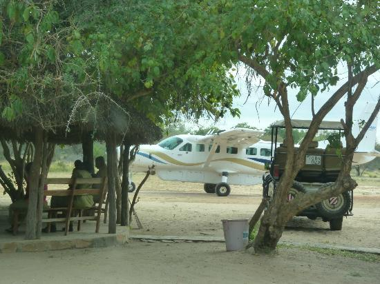 Selous Great Water Lodge: Just landed at Mtemere Gate Airstrip
