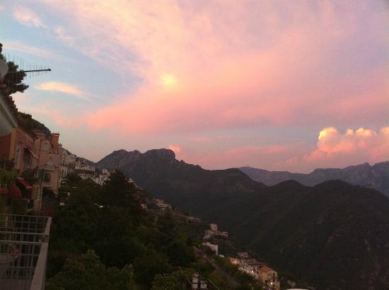 Hotel Villa Fraulo: 夕暮れ時の美しさ