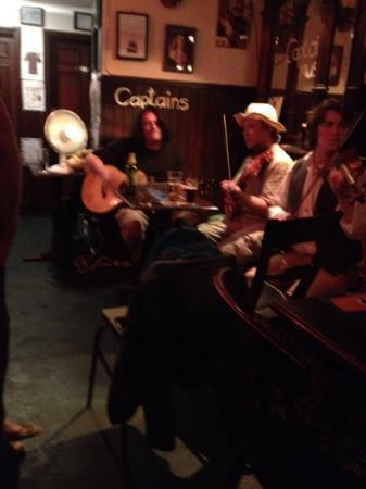 Captains Bar: august 2012 captains