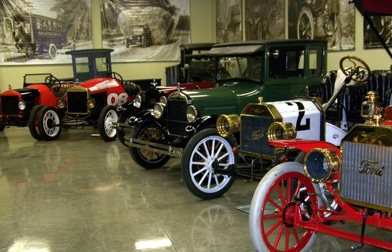 Model T Ford Museum : A nice selection of Model Ts