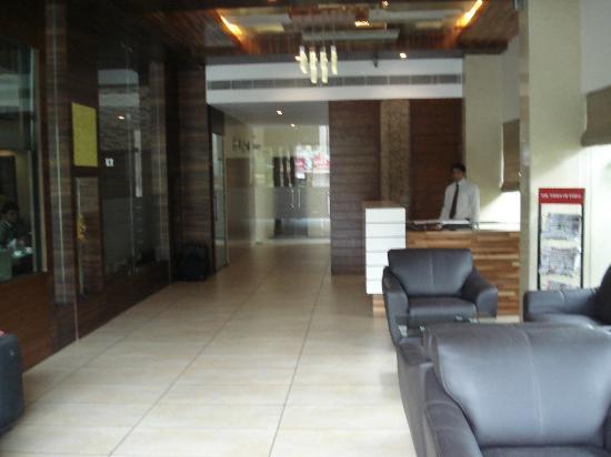 Le Grande Residency: lobby